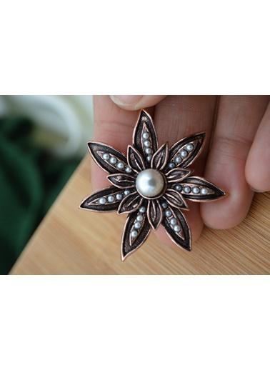 Stoneage Broş İncili Zarif Çiçek Bronz